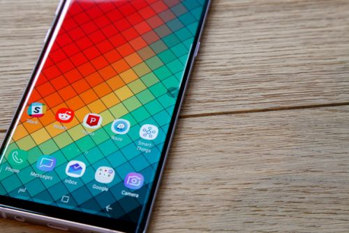 Samsung will make a flat Galaxy S10, but it might not be the phone you want
