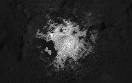 Ceres' salty bright spots revealed in stunning detail