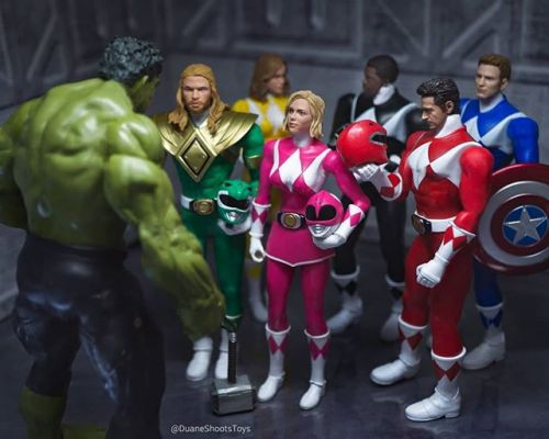 Marvel Fan Reimagines the Avengers Main Players as Power Rangers