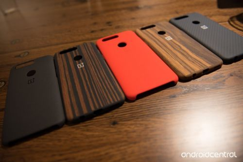 Here are all the official OnePlus 5T cases