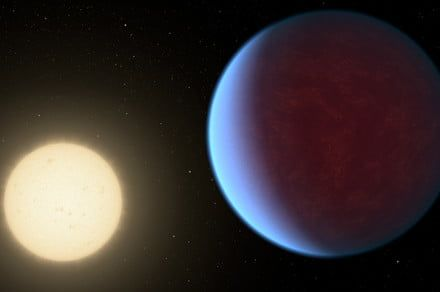 Tiny briefcase-sized satellite spots an exoplanet and sets a new record