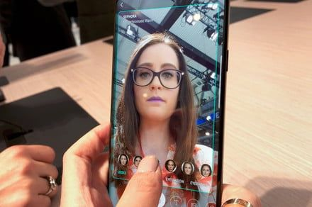 Cosmetics giant L'Oreal buys AR beauty company ModiFace