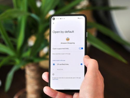 Apps can now open 'verified links' by default in Android 12 DP3