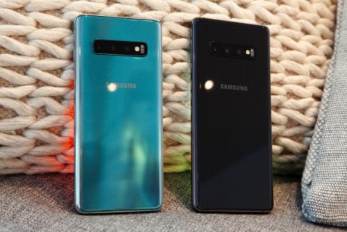 Galaxy S10+ tops DxOMark's camera rankings, which still don't mean anything
