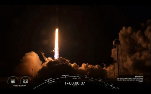 SpaceX Falcon Heavy Rocket Lofts 24 Satellites in 1st Night Launch
