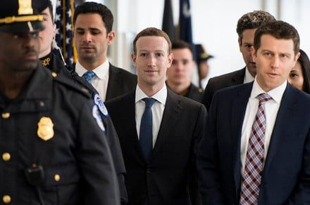 Some major Facebook investors want to oust Zuckerberg as chairman after scandals