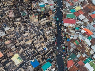 A photographer captured these shocking photos of one of the world's most densely populated slums