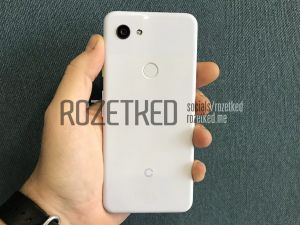 Google's Pixel 3 Lite Apparently Leaks, Complete With Headphone Jack