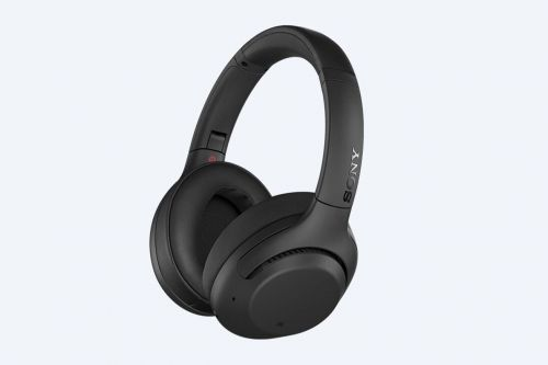 Sony's XB900N headphones offer noise canceling and lots of bass for $250