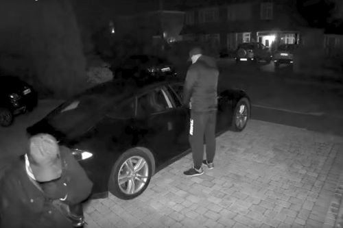 Watch a Tesla Model S get stolen with a key fob hack