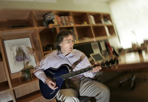 Facebook 'fix' needed, early investor Roger McNamee says