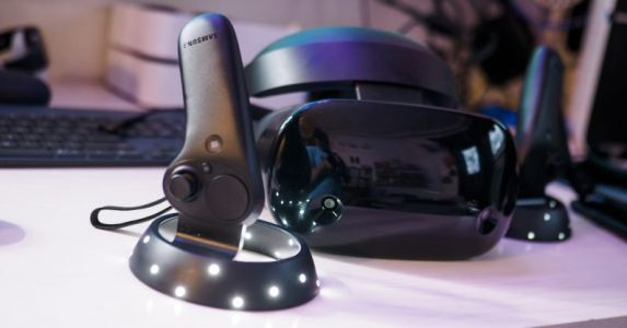 Samsung's HMD Odyssey is the best way to experience Microsoft's Mixed Reality