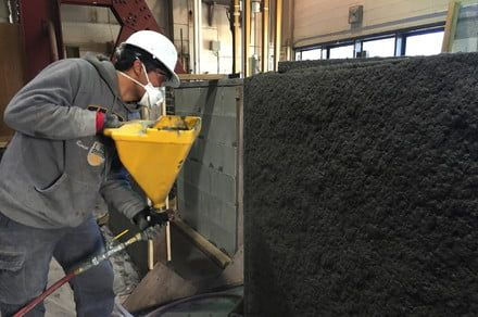 Spray-on cement increases the resistance of existing buildings to earthquakes