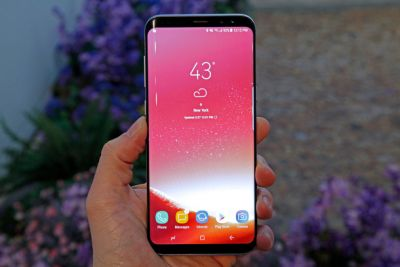 TGIF: The Galaxy S8 is finally available in stores