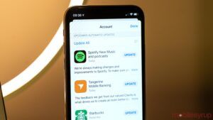 Apple reissuing some iOS app updates from the past month