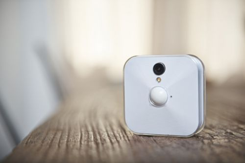 You don't need to change the batteries in this home security camera for 2 years