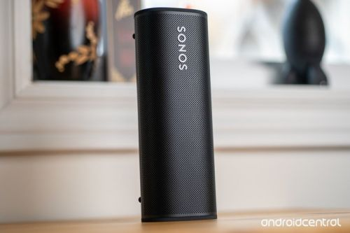 Does the Sonos Roam come with a removable battery?