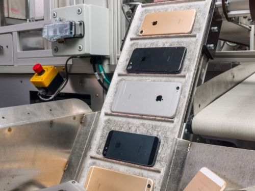 Apple unveils new iPhone recycling robot capable of dismantling 200 devices per hour