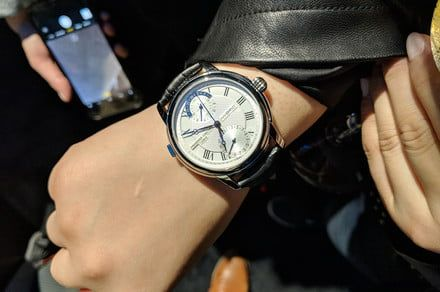 Frederique Constant debuts world's first mechanical smartwatch
