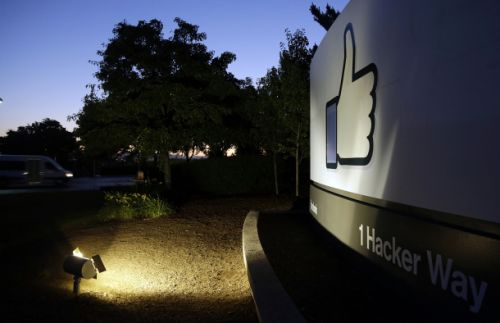 DOJ starts new war on encryption, this time with Facebook