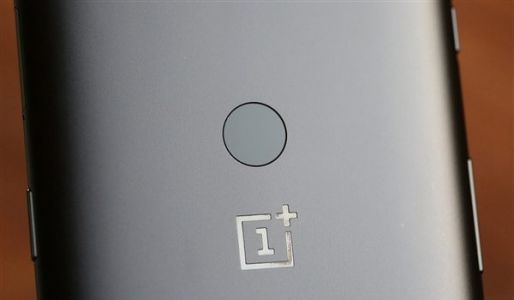 The next OnePlus smartphone could arrive with wireless charging