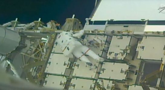 Watch two NASA astronauts make repairs outside the International Space Station live