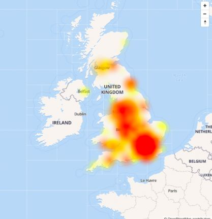 EE customers complain of signal loss as outages hit across the UK