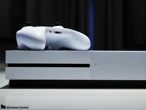 Disc-less Xbox One reportedly set for 2019, with 'disc-to-digital' program