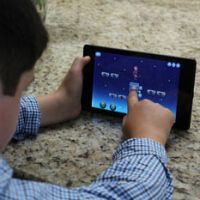 Senators urge FTC to look into shady ad practices in apps for kids