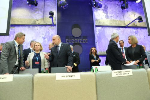 EU defense ministers take part in first cyber war game