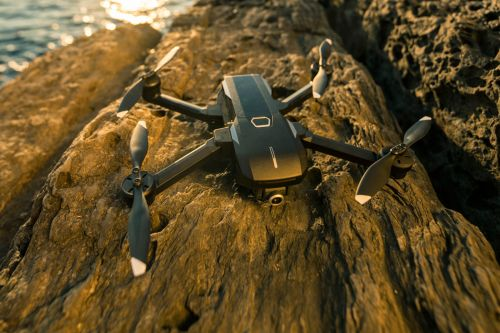 Yuneec's Mantis Q drone packs 4K and voice control for $500