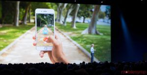 Apple and Facebook to lead the mobile augmented reality charge, says expert