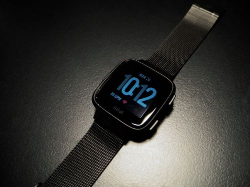 The $200 Fitbit Versa is the best smartwatch I've ever used - yes, even better than the Apple Watch