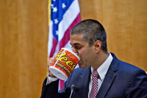 FCC chairman pushes for internet content transparency laws