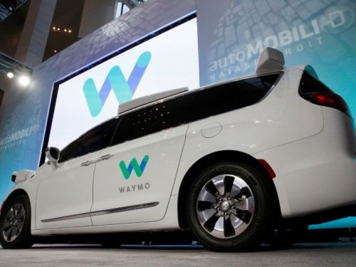A Wall Street analyst says Google has 2 different choices for its car spinoff, and one of them could make Waymo a $180 billion company
