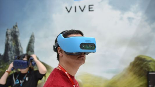 VR and AR device market to reach $1.8bn in 2018
