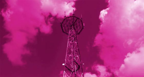 T-Mobile hit with international roaming outage