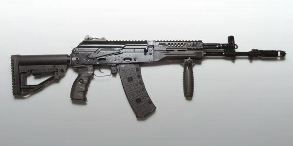 The Russian military is replacing the AK-74M with these 2 new rifles