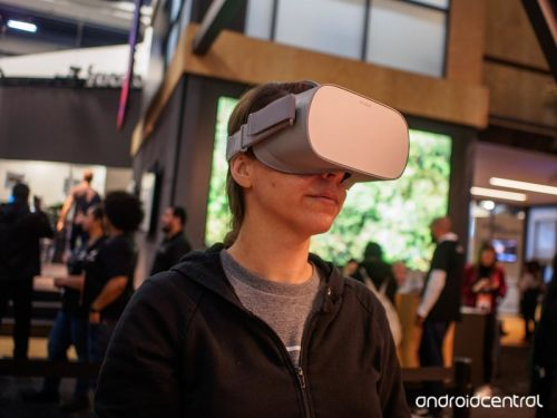 Hands-on with Oculus Go, the game console you wear on your face
