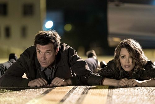 GAME NIGHT Is A Perfect Mix Of Comedy and Suspense - One Minute Movie Reveiw
