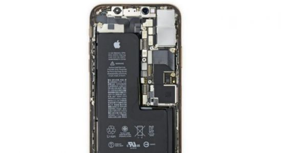 The iPhone XS has an odd L-shaped battery