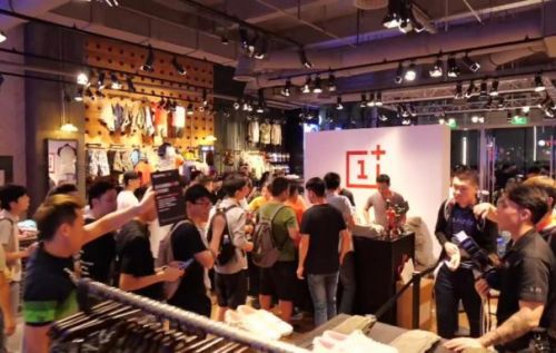 OnePlus 6T Pop-up Stores: where and when they'll pop up
