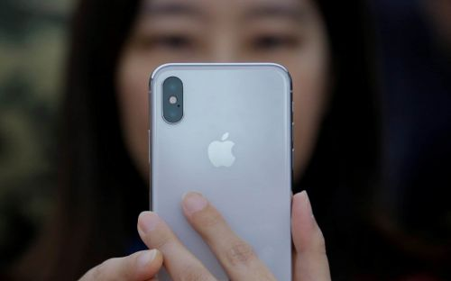 Apple 'text bomb' can crash iPhones with a single message
