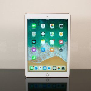 Apple's newest 9.7-inch iPad goes on a rare sale on Amazon for a limited time