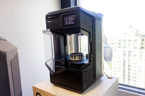 MakerBot's new 3D printer shows how much it's changed in nine years