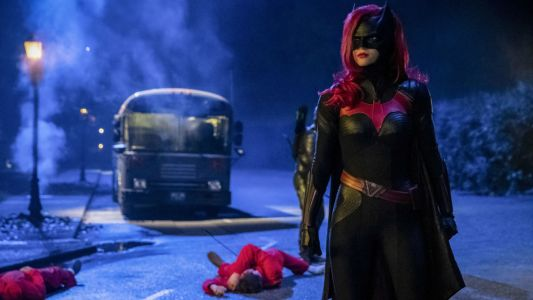 "Batwoman's Arrow-Verse ""Elseworlds"" Arrival Sets Stage For Spin-off Show"