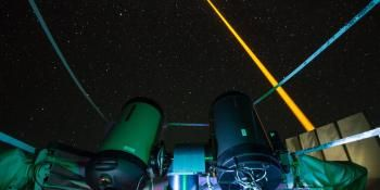 Laser Measures Earth's Magnetic Field with Artificial Stars