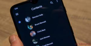 Google Contacts app adds dark mode