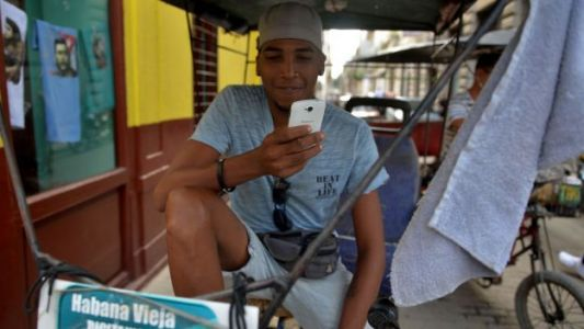 Cuba Rolls Out Mobile Internet Service to Citizens for the First Time