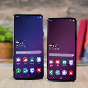 Don't worry, you will be able to hide the Galaxy S10 camera hole during video playback. somehow